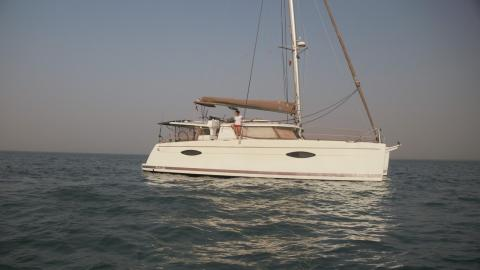 Fountaine Pajot Hélia 44  : At anchor other view