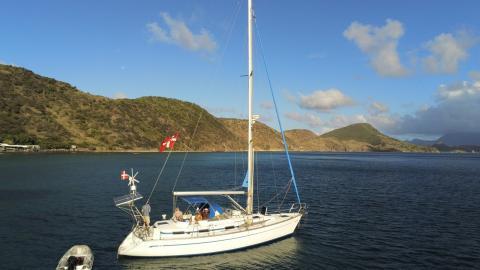 Bavaria 40 Ocean: At anchor