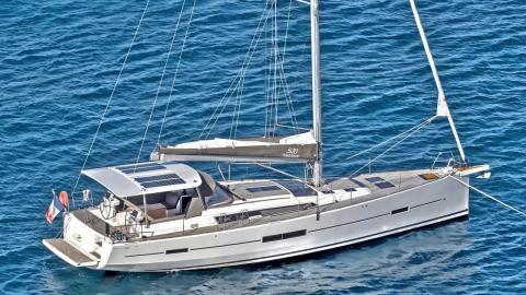 Dufour 520 Grand-Large : At anchor in the Caribbean
