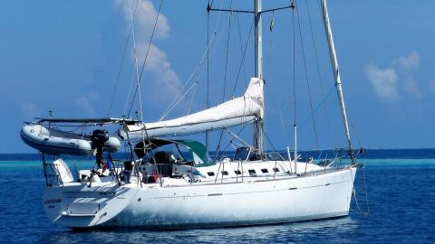 Bénéteau First 47.7 : At anchor