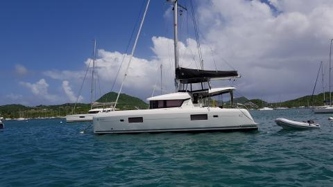 Lagoon 42 : At anchor in Martinique