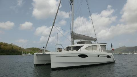 Robertson & Caine Leopard 39 : At anchor in Martinique