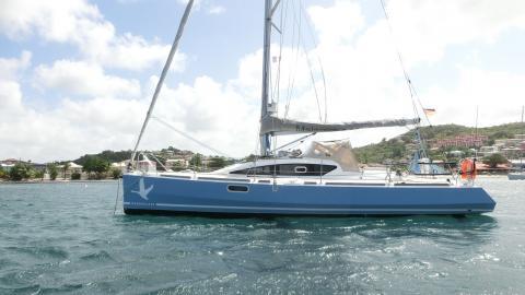 IDB Marine Malango 10.45 : At anchorage in Martinique