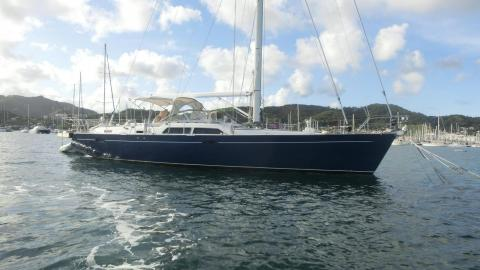 Moody 54 : At anchor in Martinique