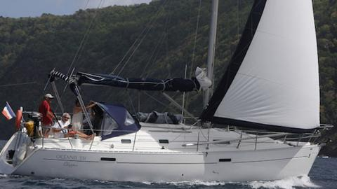 Oceanis 331 Clipper: Navigating