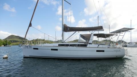 Bénéteau Oceanis 41 : At anchor