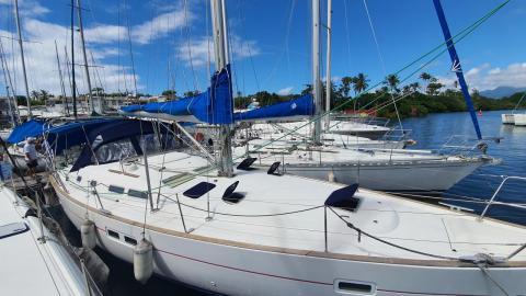 Bénéteau oceanis 423 : In the marina