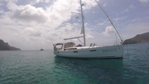 Bénéteau Oceanis 45 : At anchor