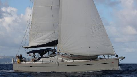 RM Yachts RM 1350  : Navigating