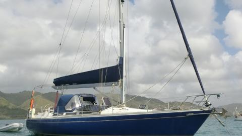 Marine Projects  Sigma 41 # 4 : At anchor in Martinique