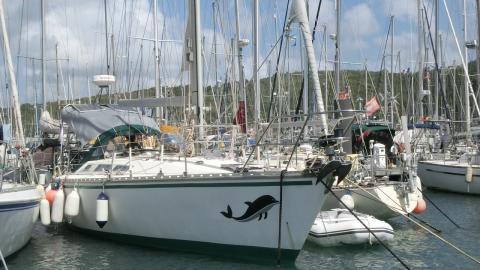 Jeanneau Sun Fizz : In the marina