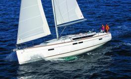 Jeanneau Sun Odyssey 479 : Navigating on the wind port tack
