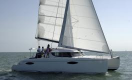 Fountaine Pajot Orana 44 navigating