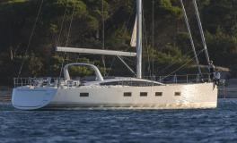 Jeanneau Yacht 64' : At achorage