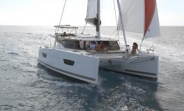 Fountaine Pajot Lucia 40 :