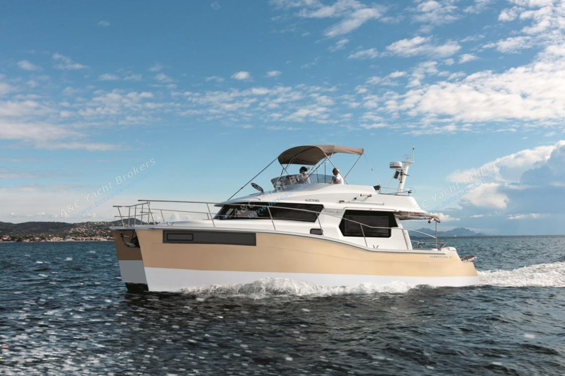 Fountaine Pajot Motor Yachts Summerland 40 LC navigating