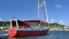 Bruce Roberts 48' : At anchorage