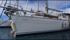 Bavaria 38 Holiday: In marina