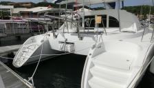 Lagoon 380 S2: In the marina