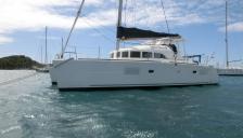 Lagoon 380: At anchor