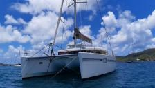 Lagoon 450: At anchor