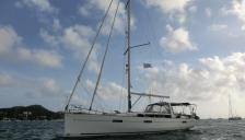 Bénéteau Oceanis 45 : At anchorage in Martinique