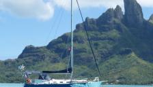 Meta Outremer 33 : At anchor in Polynesia