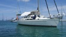 At anchor - Beneteau Oceanis 40 CC, Used (1997) - Martinique (Ref 470)