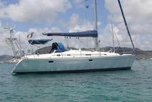Oceanis 381: At anchor in Martinique