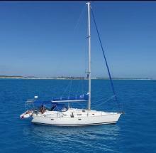 Bénéteau Oceanis 381 : At anchor
