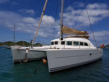 Lagoon 380 : At anchor