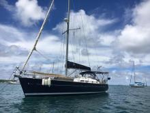 Bénéteau Oceanis 423 Clipper : At anchor in Martinique