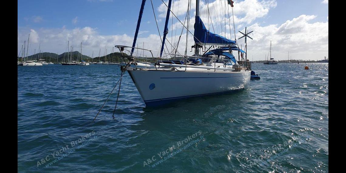 Del Pardo Grand Soleil 46 : Martinique anchorage