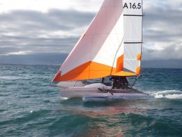 Astusboats Astus 16.5 en navigation