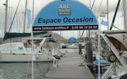 Our dedicated pontoon for the display of pre-owned boats