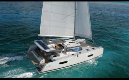 Fountaine Pajot New 47 navigating