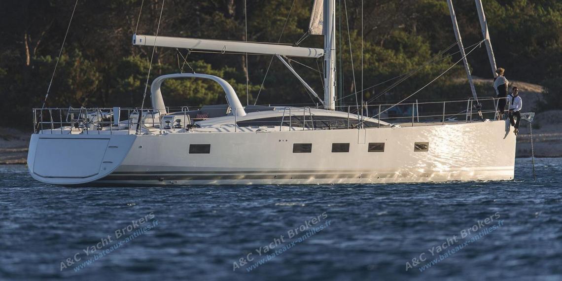 Jeanneau Yacht 64' : At achorage